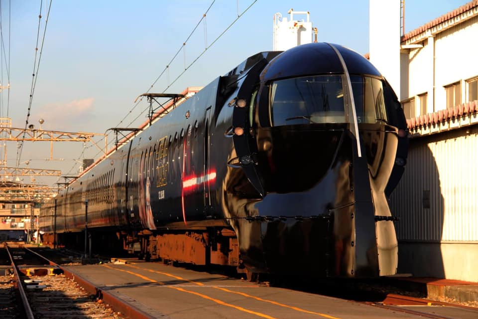 Darth Vader train- travel from the airport to Osaka in Japan - Star Wars Rapit