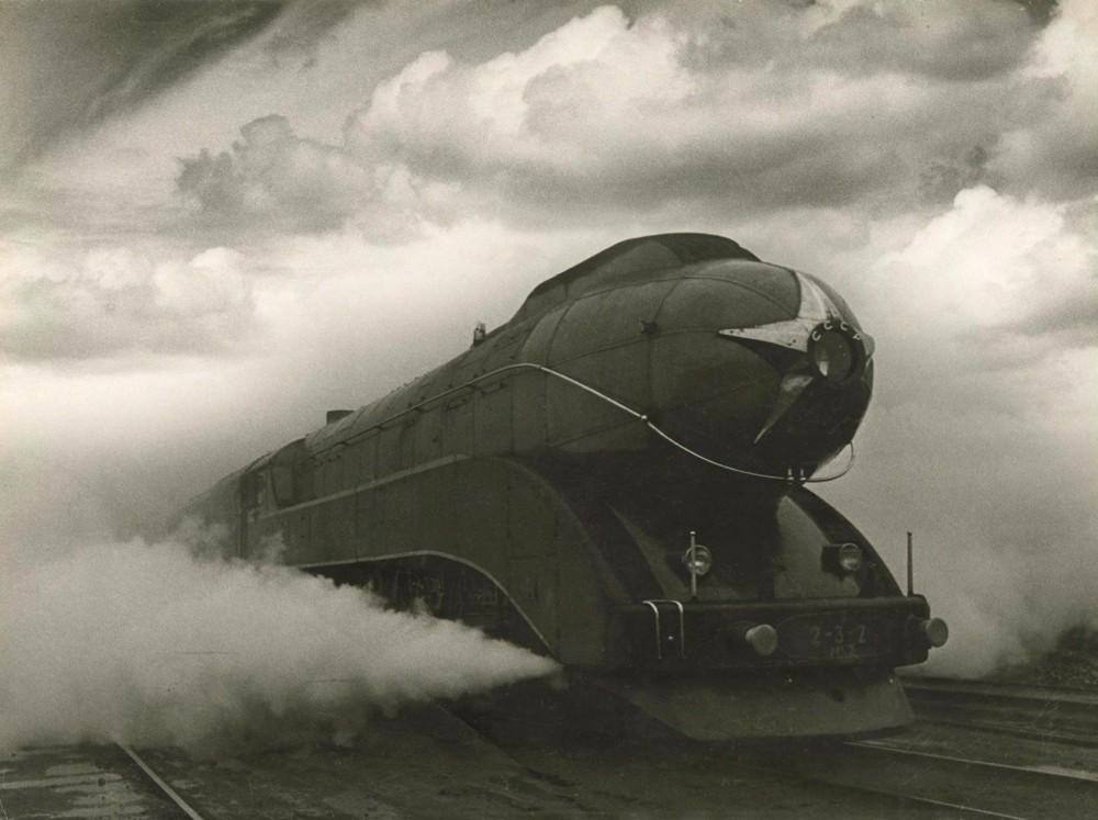 'Экспресс', 1939. Фотограф Аркадий Шайхет ('Красная Cтрела')