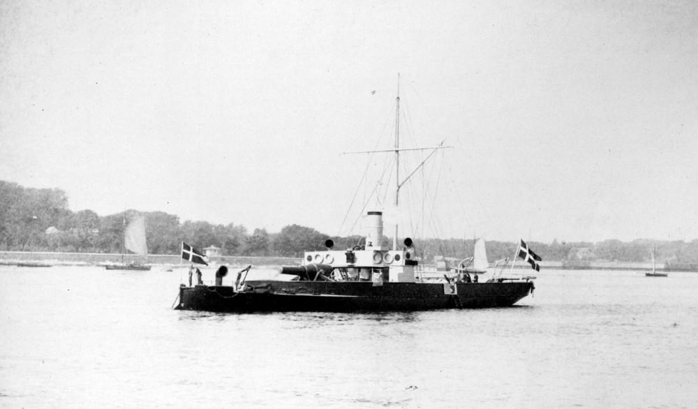 Gunboat ØRESUND (1874-1912) lying at anchor seen towards port.