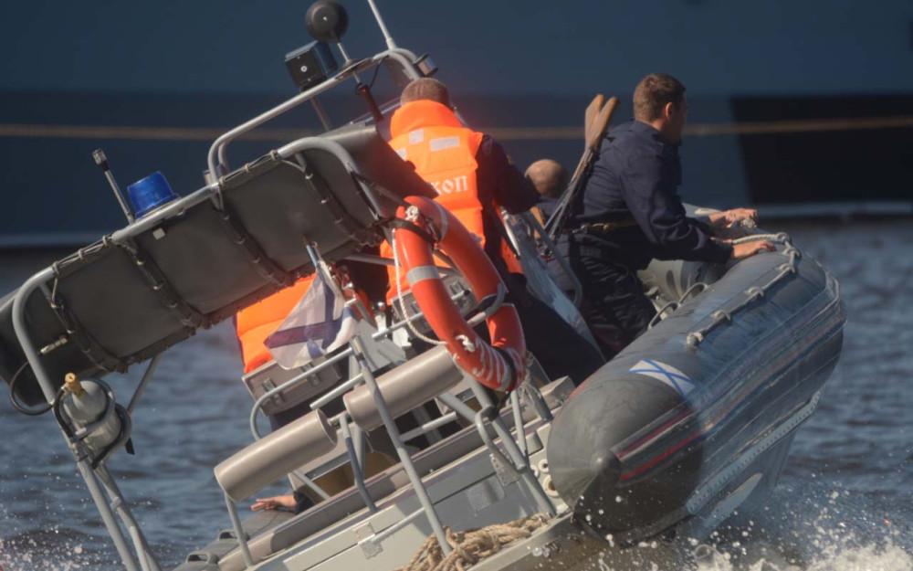 В акватории Средней гавани в Кронштадте прошел второй этап конкурса среди команд ВМФ «Морской бриз»