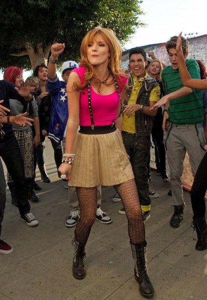 BellaThorne_MusicVideoSet_November12_2012___21_