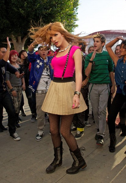 BellaThorne_MusicVideoSet_November12_2012___23_