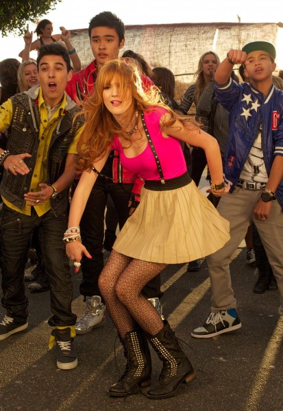 BellaThorne_MusicVideoSet_November12_2012___24_