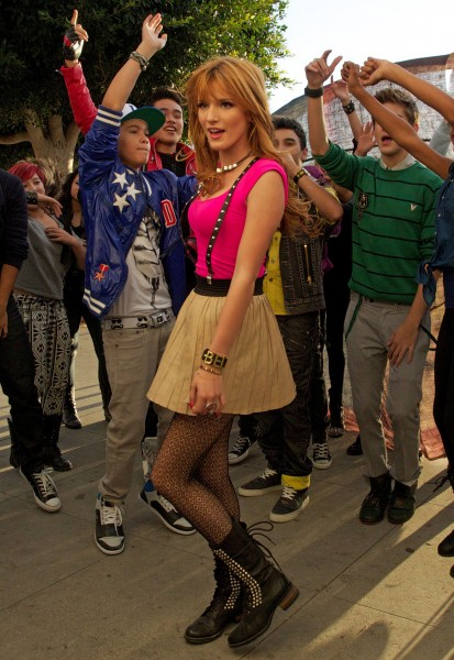 BellaThorne_MusicVideoSet_November12_2012___26_