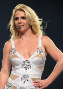 Britney_Spears_-_Iin_Philadelphia_on_Femme_Fatale_Tour_July-30-2011_045