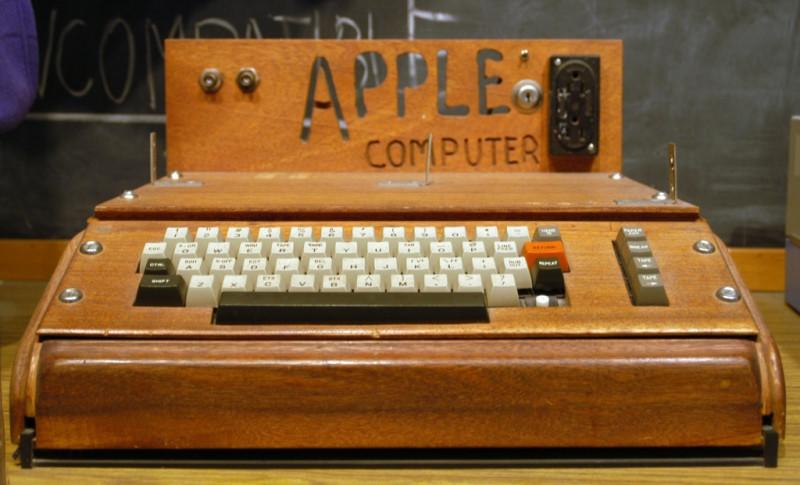 Apple-–-Apple-I-Computer-19762