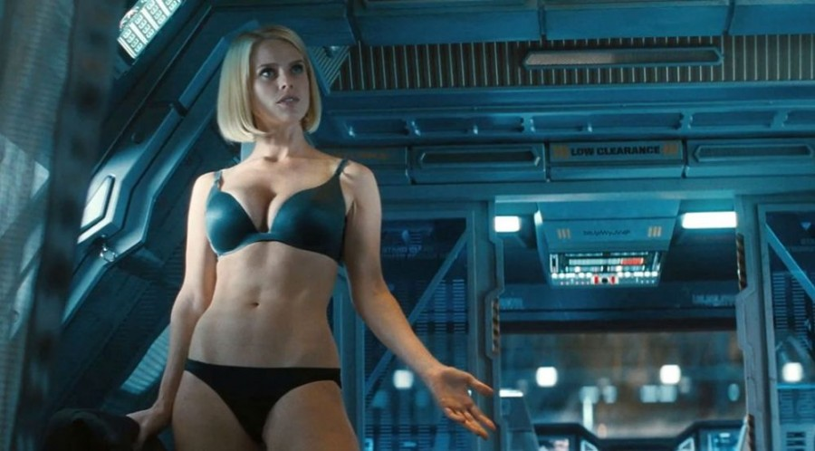 star-trek-2-into-darkness-alice-eve-underwear-jpg_193558-1000x554