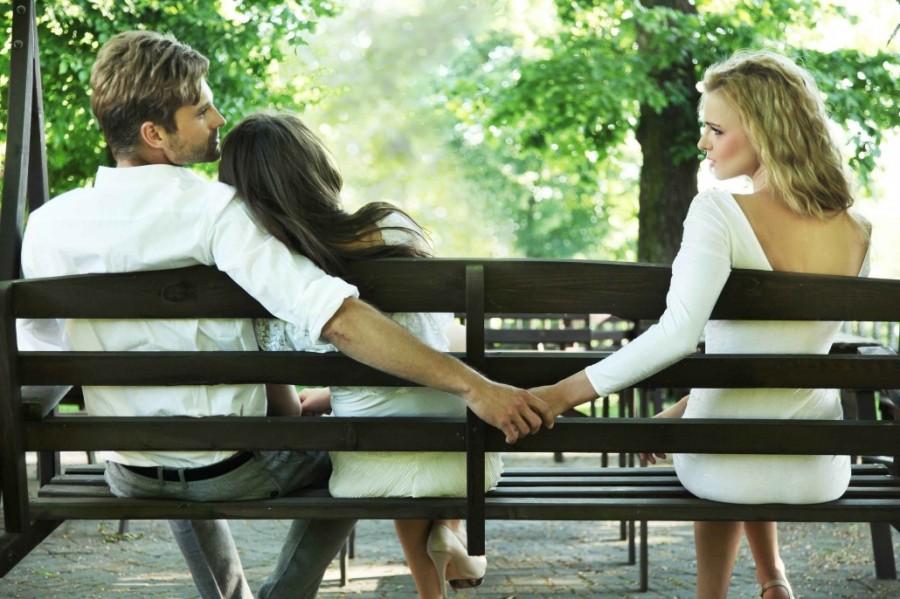 Порно муж ебет любовницу при жене