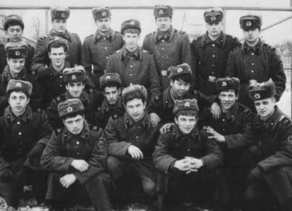 За что в Советской армии не любили москвичей