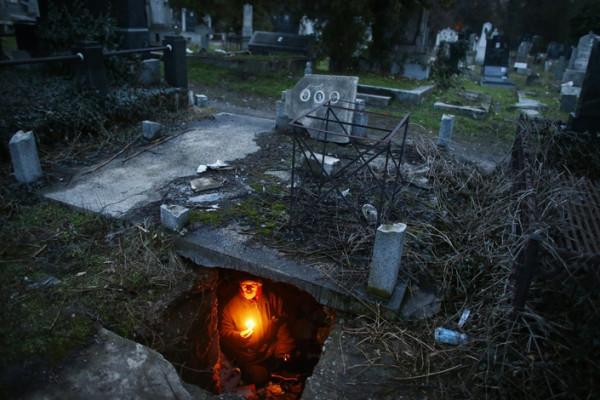 Кладбище сербского города Ниш, где проживает 43-летний строитель Братислав Стоянович.