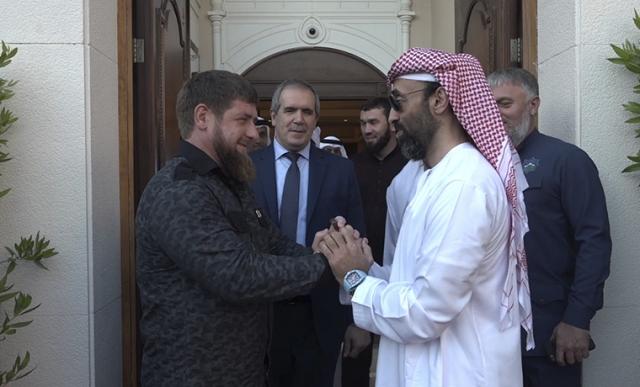 Кадыров-Аввадон уехал в Арабские Эмираты вместе со своей командой, которая так же может активно и незримо для публики работать с руководством различных эмиратов ОАЭ и иностранными военными и политиками на нейтральной и защищенной территории