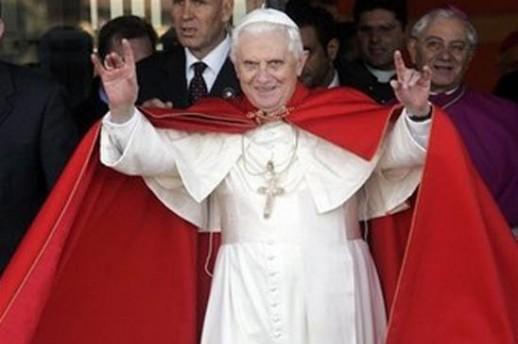 Иллюминаты стоят во главе католической церкви, контролирующей 2 млрд. католиков