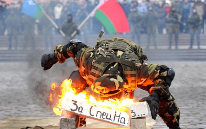 Силовики возьмут на себя уголовные статьи ради спасения лукашеновского режима: так держать, братки!