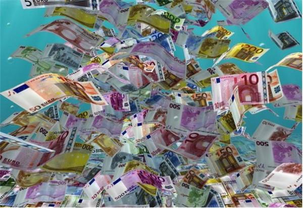 денег много евро