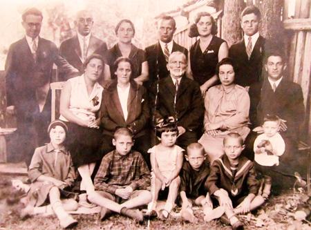 Семейная фотография: Косберги, маленький Гриша