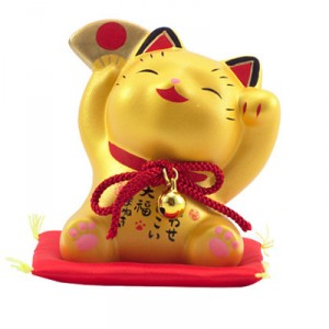 манэки нэко счастливая кошка