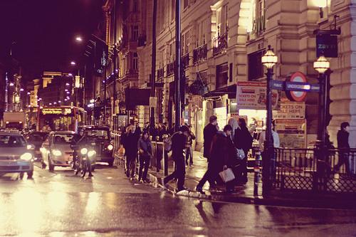 svet-nyu-york-lyudi-ulica-Favim.ru-52139