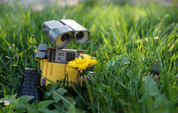 wall-e-robot-igrushka-trava