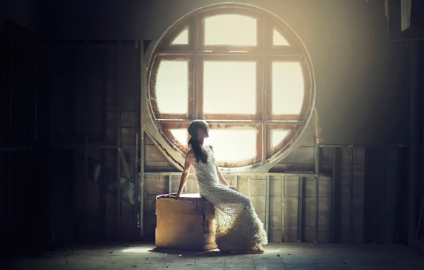 devushka-grust-okno-svet