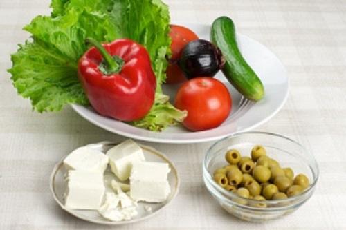 Салат помидоры огурец оливки