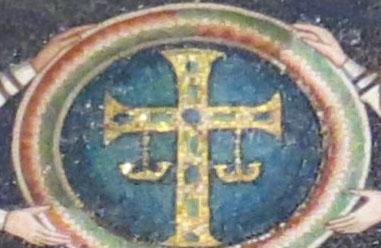Крест с подвесками.jpg