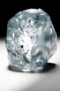 Исключительный 122,52 карат голубой бриллиант, добытый на шахте Куллинан в июне 2014 года
