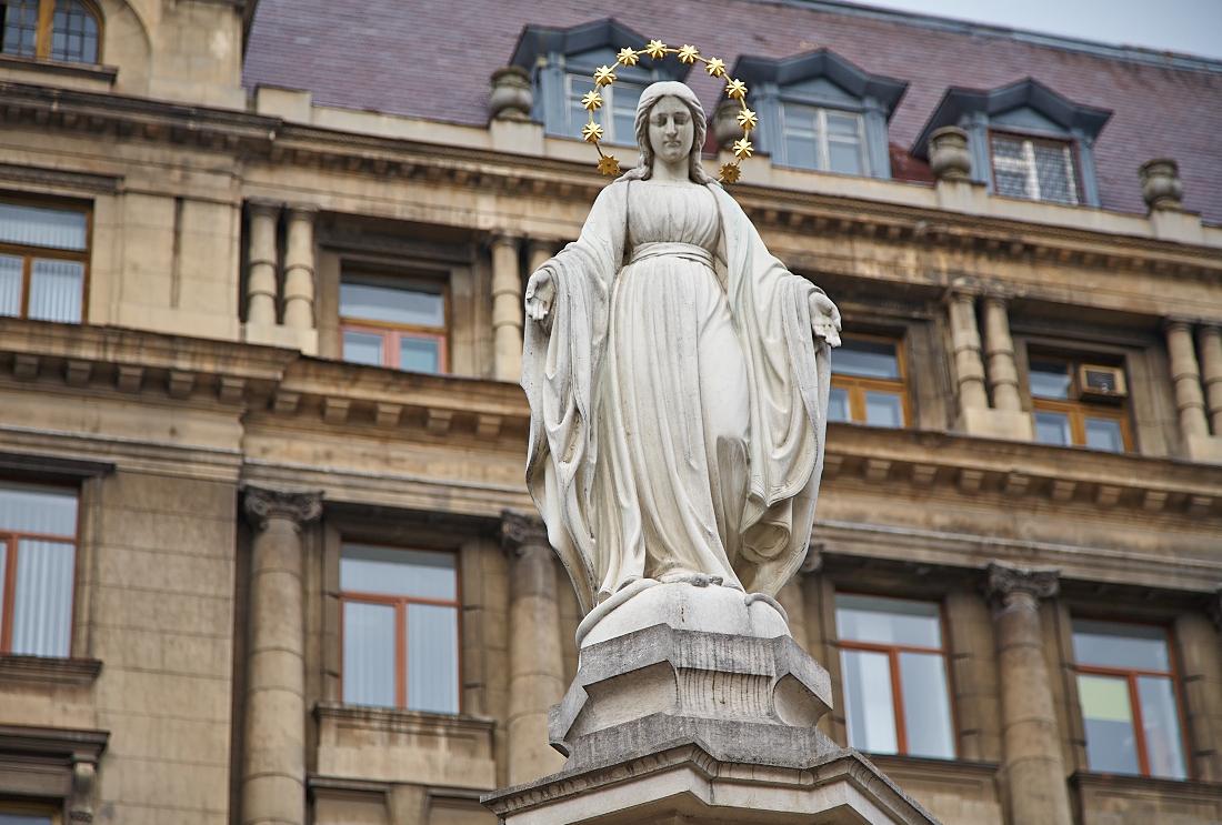На місці поваленого Леніна має стояти статуя Богородиці