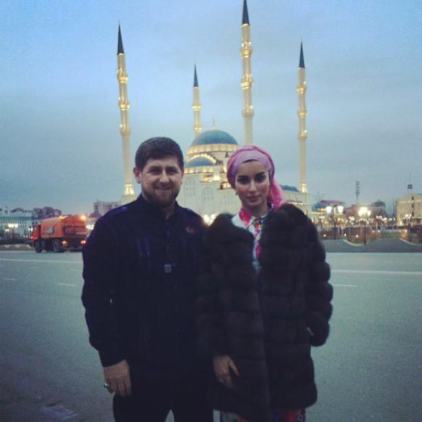 http://ic.pics.livejournal.com/andi_a/44371463/13683/13683_original.jpg