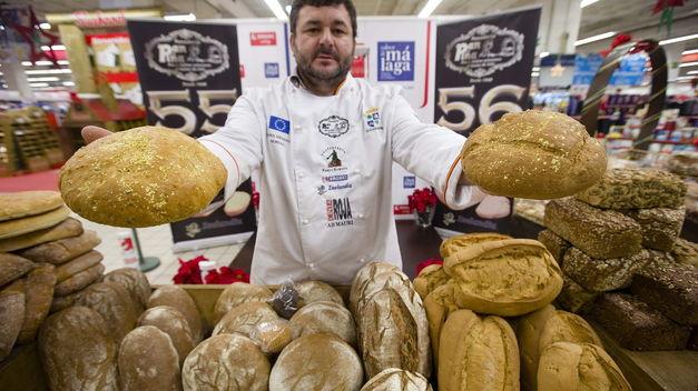 Elaboran-panes-oro-comestibles-euros_TINIMA20141210_0868_5