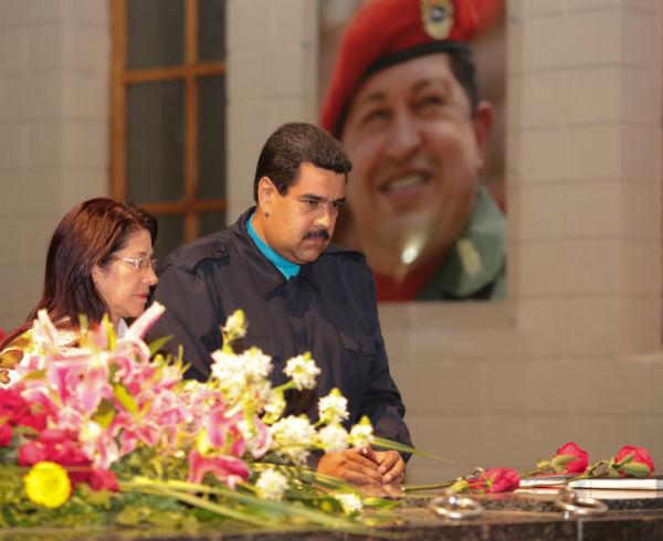 Presidente-Nicolás-Maduro-y-Cilia-Flores-3