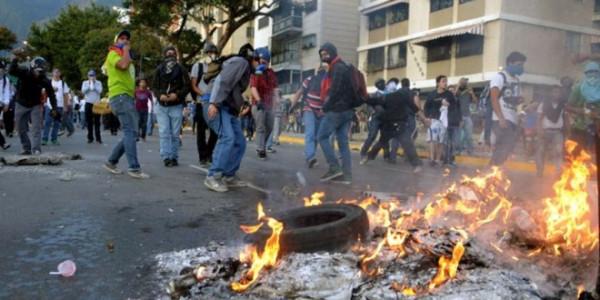 Aumentan-protestas-Venezuela_TINIMA20140220_0271_33-660x330