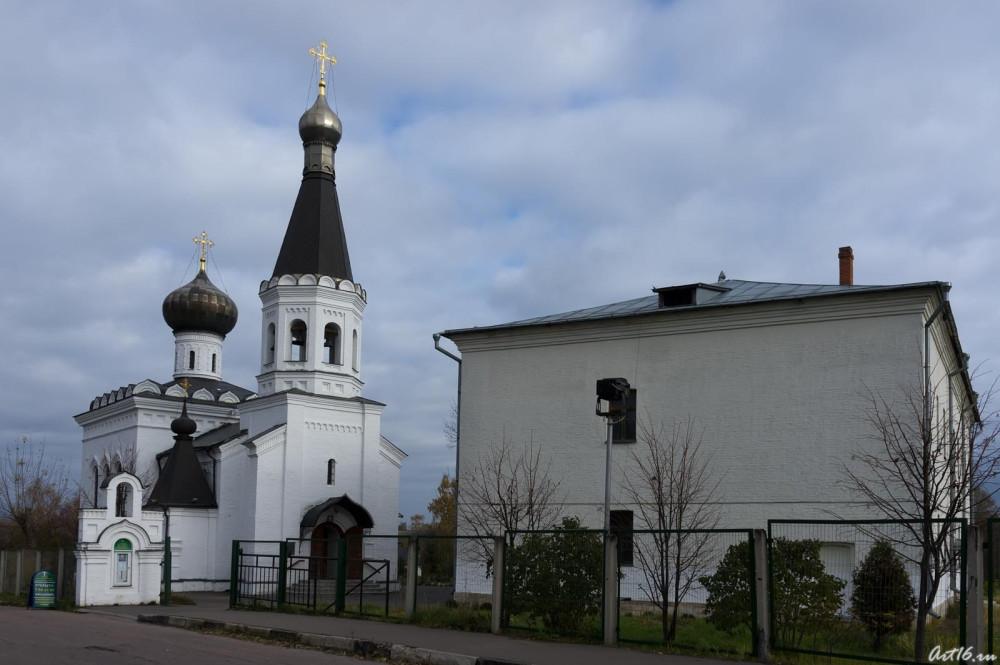 Храм и дом причта сегодня