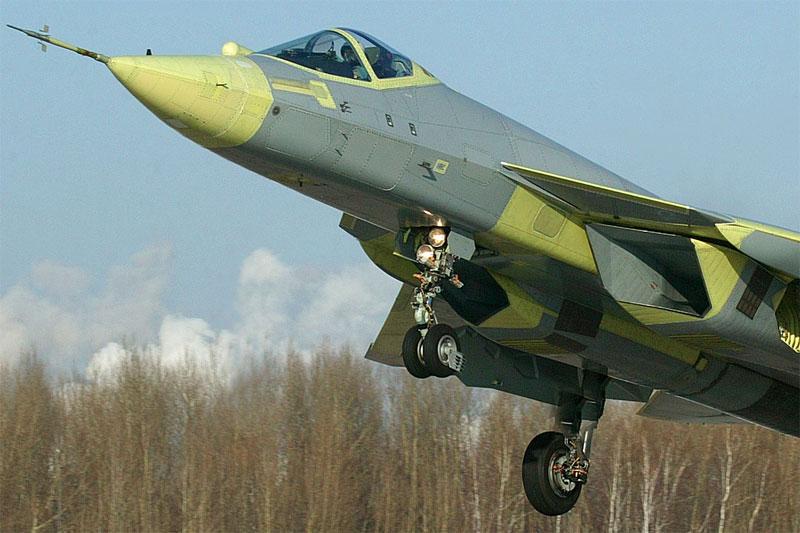 29 января 2010 г. первый полёт совершил истребитель ПАК ФА
