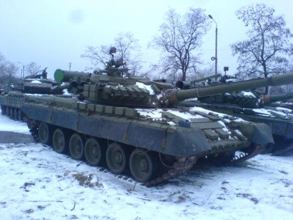 Армия днр захватила танковую базу в
