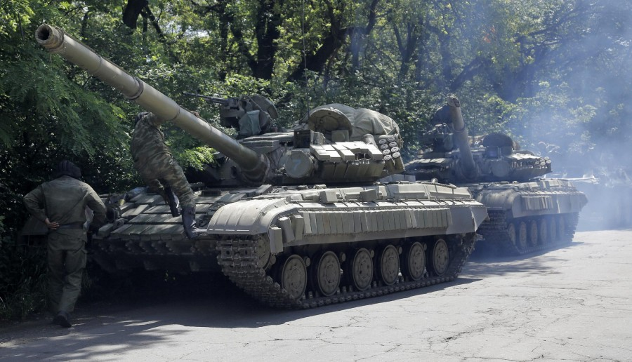 Танки Т-64БВ на Донбассе под флагами ДНР