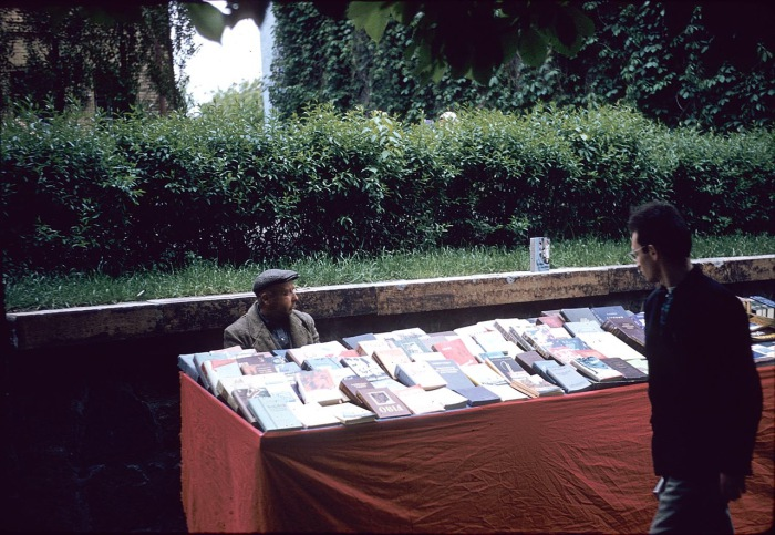Streetbookselling