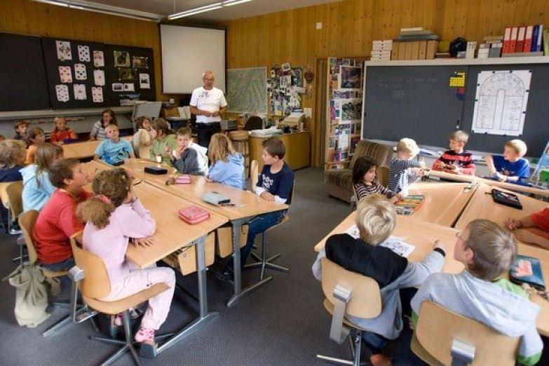 А чё там в гейропе: Как учат в начальных государственных школах Швейцарии