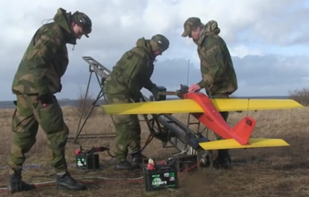 soldiers-UAV