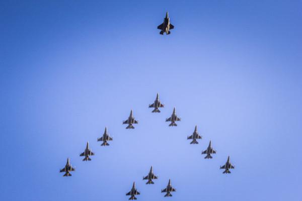 F16, F35