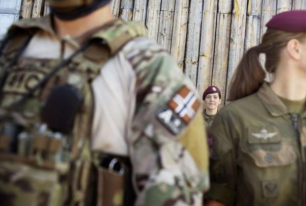 В спецназе только девушки 004