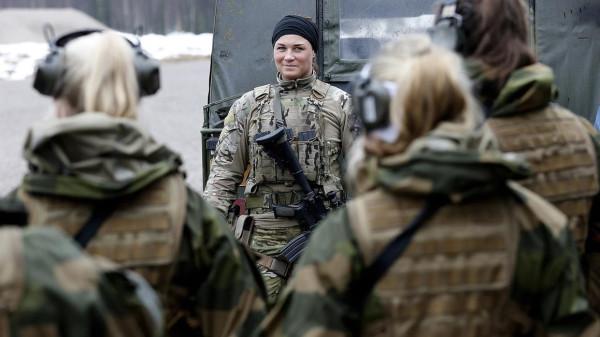 В спецназе только девушки 018