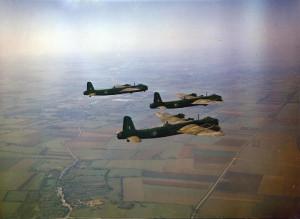 Short_Stirlings_1651_HCU_in_flight_1942.jpg