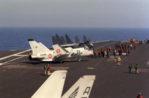 F-8E(FN)_after_landing_on_USS_Eisenhower_(CVN-69)_1983