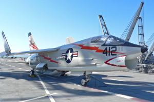 F-8_Crusader_on_Hornet_2