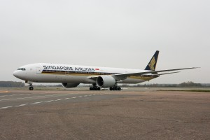 Singapore_Airlines_Boeing_777-312-ER
