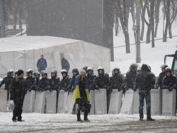 0000031115-majdan-ukreplenie-barrikad