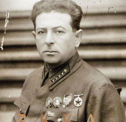 Политическое управление РККА, Л.З. Мехлис и Соломон из Нью-Йорка.