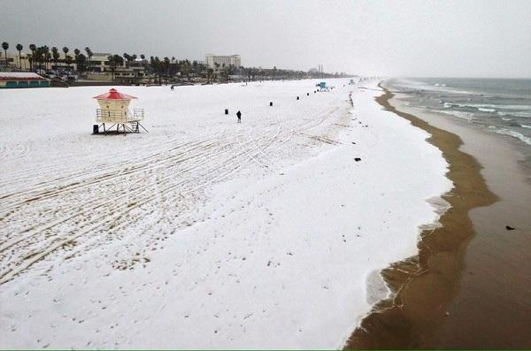 snow-huntington-beach_LA