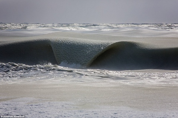 frozen_wave_coast of Nantucket_Massachusetts