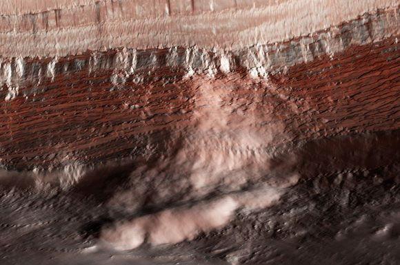 Mars-avalanche-2